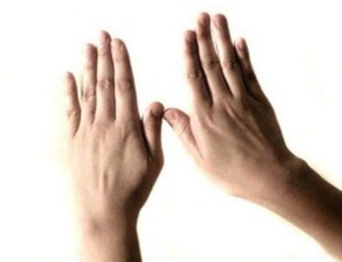 Боль в суставах пальцев рук: причины, как лечить