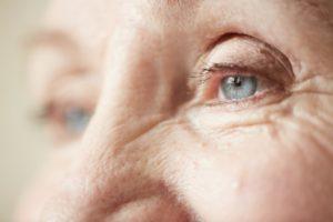 влияние артрита на глаза