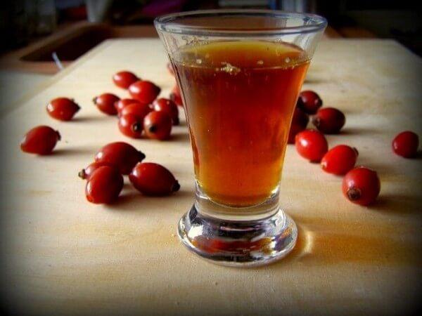 спиртовая настойка шиповника