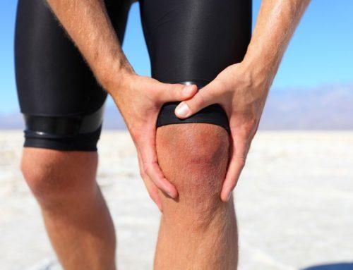 Жидкость в коленном суставе: что делать
